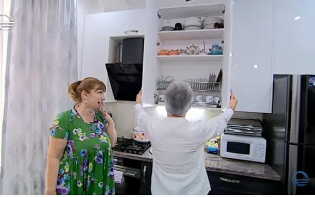 გია ჯაჯანიძის მოულოდნელი სტუმრობა მადონა კოიძის სამზარეულოში(ვიდეო)